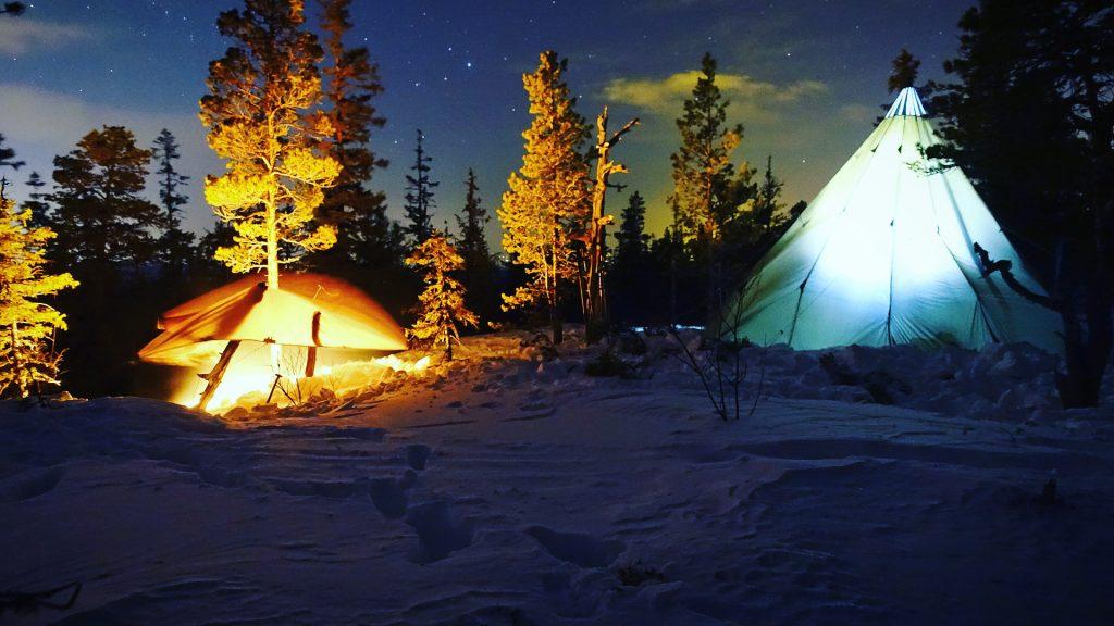 Overnatting i lavvu om vinteren